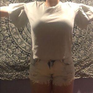 Shirt with ruffled sleeves